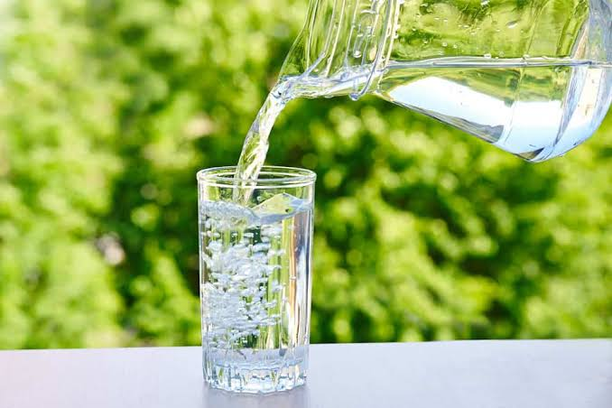 Ingin Program Diet Sukses? Rutinlah Minum Air Putih